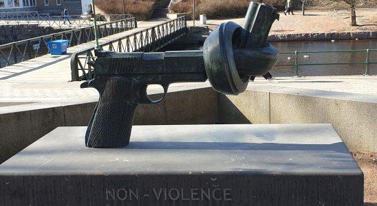 pistol med knutslagen pipa
